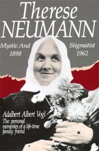 Нойманн родилась в апреле 1898 года в